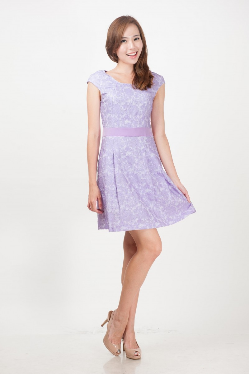 Galerry lace dress lilac
