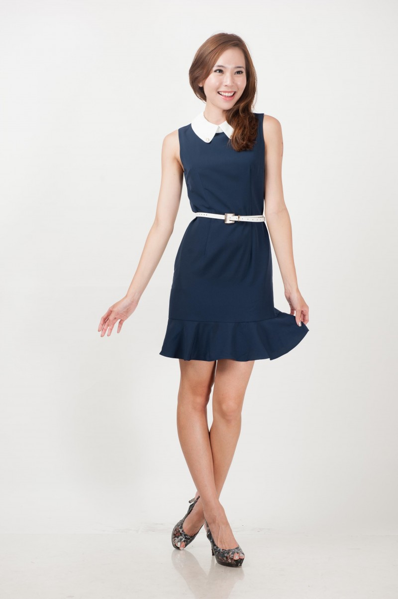 Shop the sweet selection of Peter Pan collar dresses at ModCloth! Find cute dresses featuring lace and sequin Peter Pan collars.