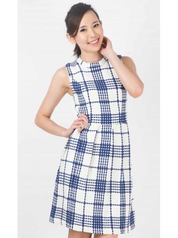 http://www.divalavie.com/305-2130-thickbox/plaids-wool-blend-dress.jpg
